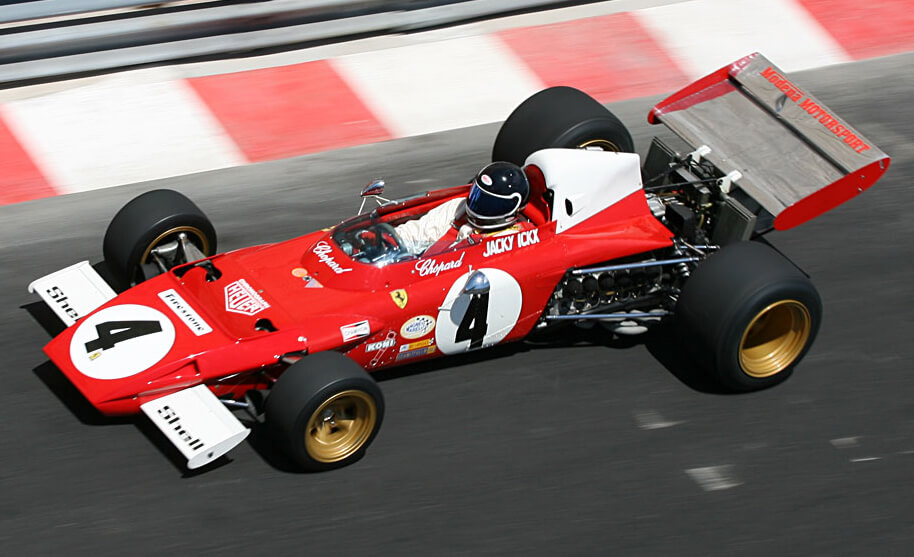 2016-Ferrari-F1-to-use-1975-style-white-engine-cover